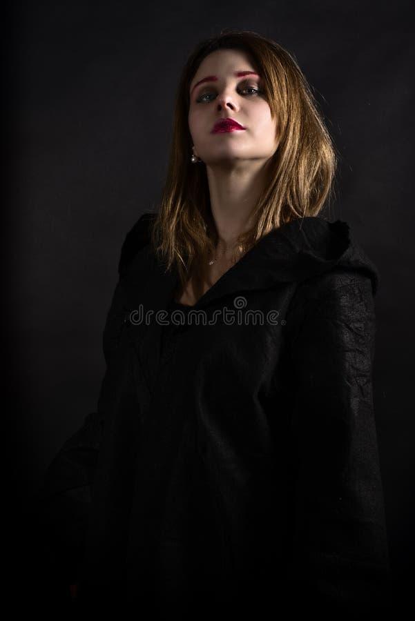 Gotisk priestess arkivfoto