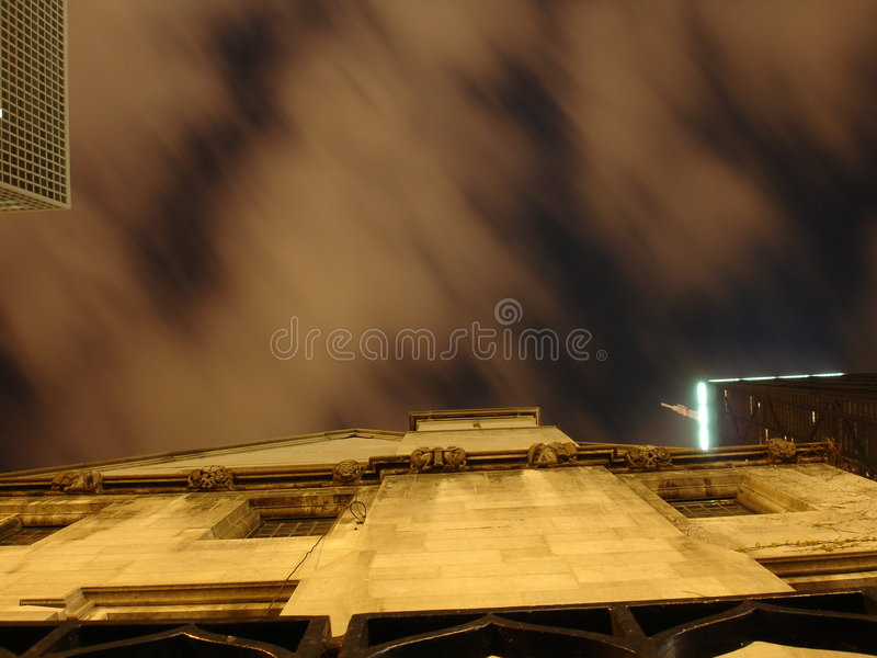 gotisk sky royaltyfri bild