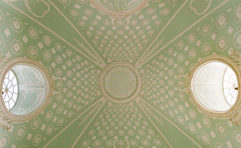 Gotiskt högt tak i templet royaltyfri fotografi