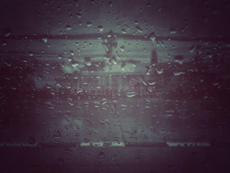 Gotita de agua de lluvia para el backgrond fotos de archivo