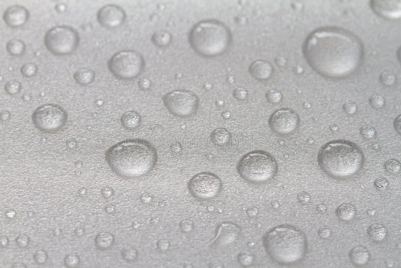 Gotitas de agua en el fondo blanco fotos de archivo libres de regalías