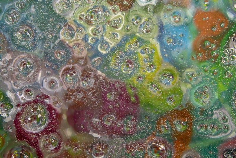Gotitas de agua sobre el vidrio foto de archivo
