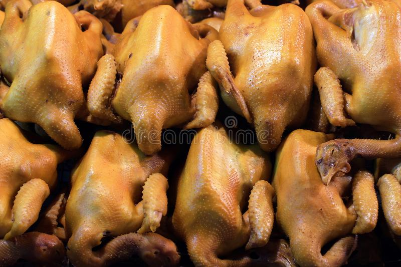 Gotowany kurczaka rzędu tło, Gotowany kurczak w Zupnym kumberlandzie przy targowej ulicy karmową nocą dla Chińskiego Karmowego no obrazy stock