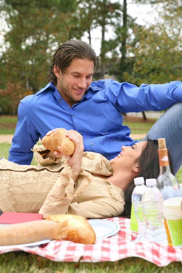 gott ha picknicksommartid royaltyfri foto