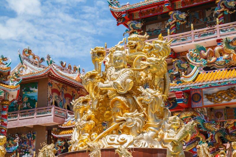 Gott Naja im chinesischen Tempel lizenzfreie stockfotos