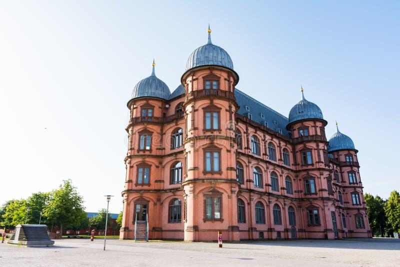 Gottesaue在卡尔斯鲁厄Musik Hochschule联合国的宫殿城堡Schloss 免版税库存照片