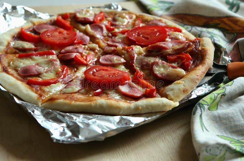 gotująca świeżo pizza zdjęcia royalty free