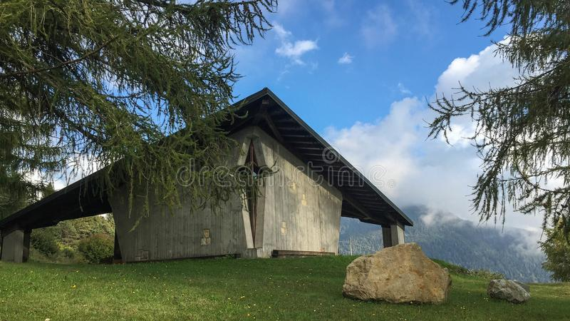 Gotyka dom w górach Włochy obraz royalty free