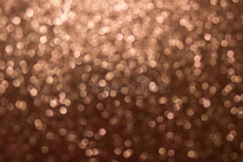 Goud bokeh, abstracte die achtergrond door neonlichten wordt gecreeerd stock afbeelding