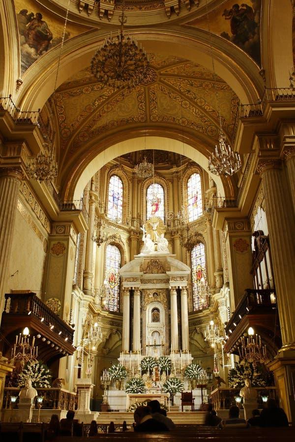 Gouden Altaar in Kathedraal in Leon, Guanajuato Verticale mening stock foto's
