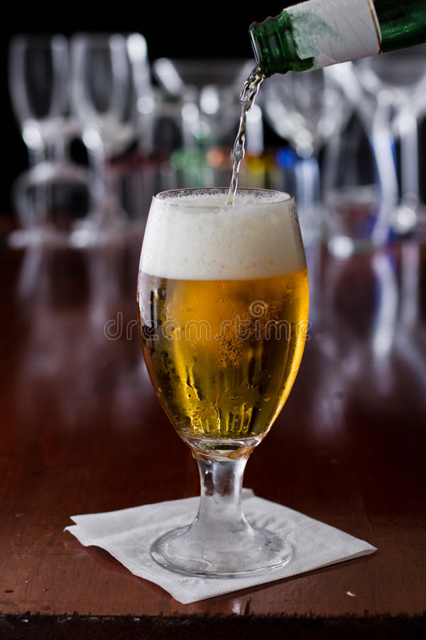 Gouden bier royalty-vrije stock foto's