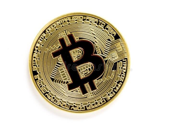 Gouden bitcoin virtuele die muntstukken op witte achtergrond worden geïsoleerd royalty-vrije stock foto's