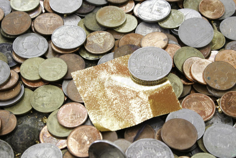 Gouden blad en geld royalty-vrije stock afbeeldingen