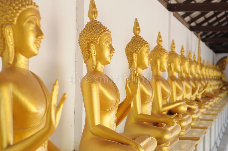 Gouden Boedha in tempel in Thailand royalty-vrije stock foto