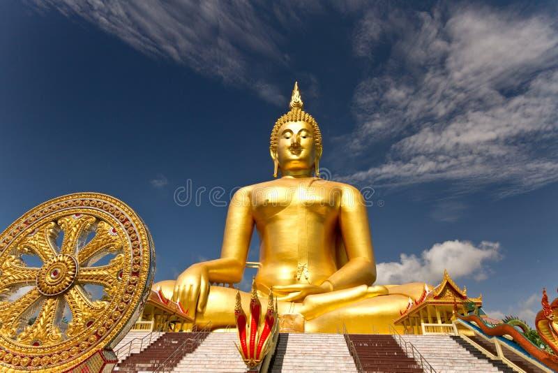 Gouden Boedha wat muang Thailand royalty-vrije stock foto's