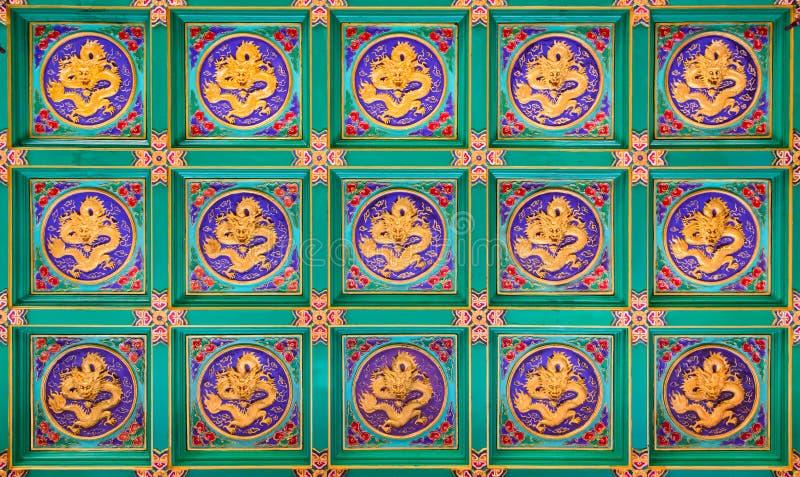 Gouden Chinese draken stock foto