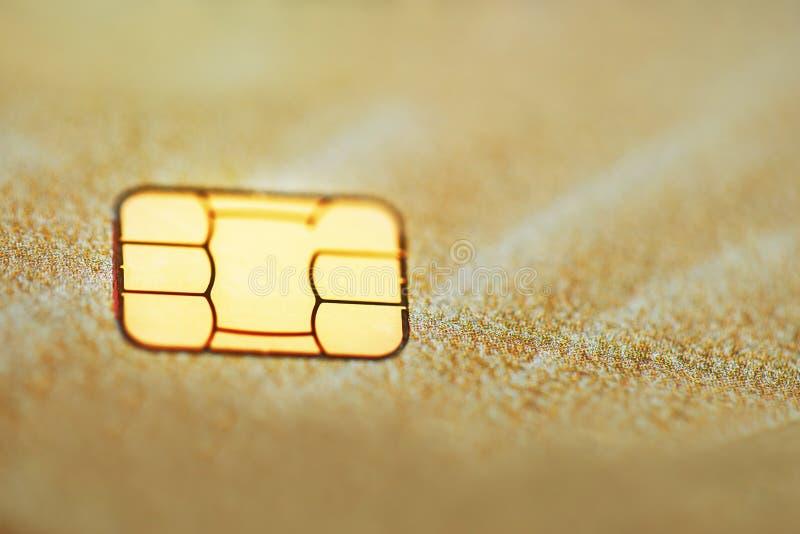 Gouden creditcard met micro- spaander selectieve nadruk stock foto's