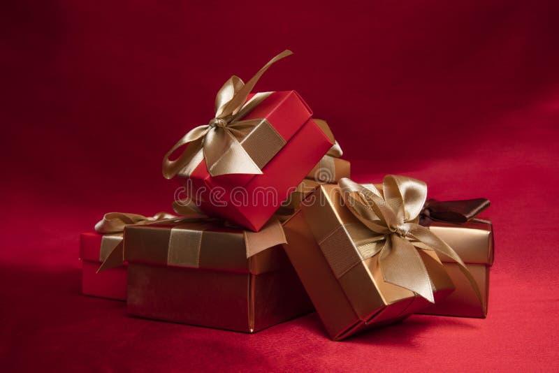 Gouden doos stock foto