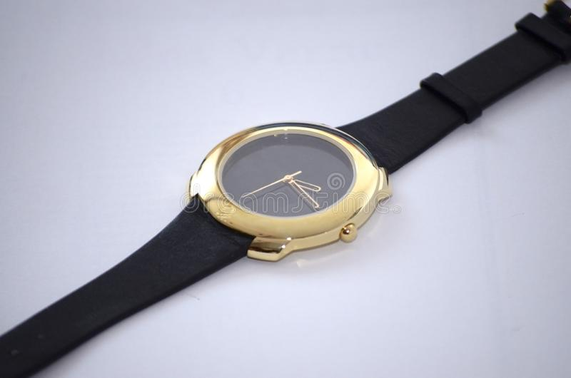 Gouden horloge voor vrouwen stock foto