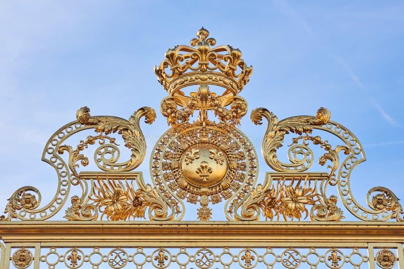 Gouden Ingangspoorten van het Paleis van Versailles royalty-vrije stock afbeelding