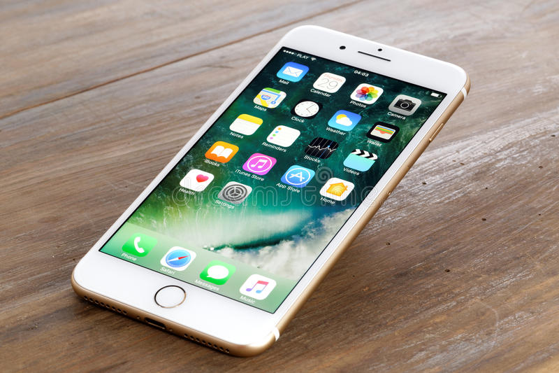 Gouden iPhone 7 plus royalty-vrije stock fotografie