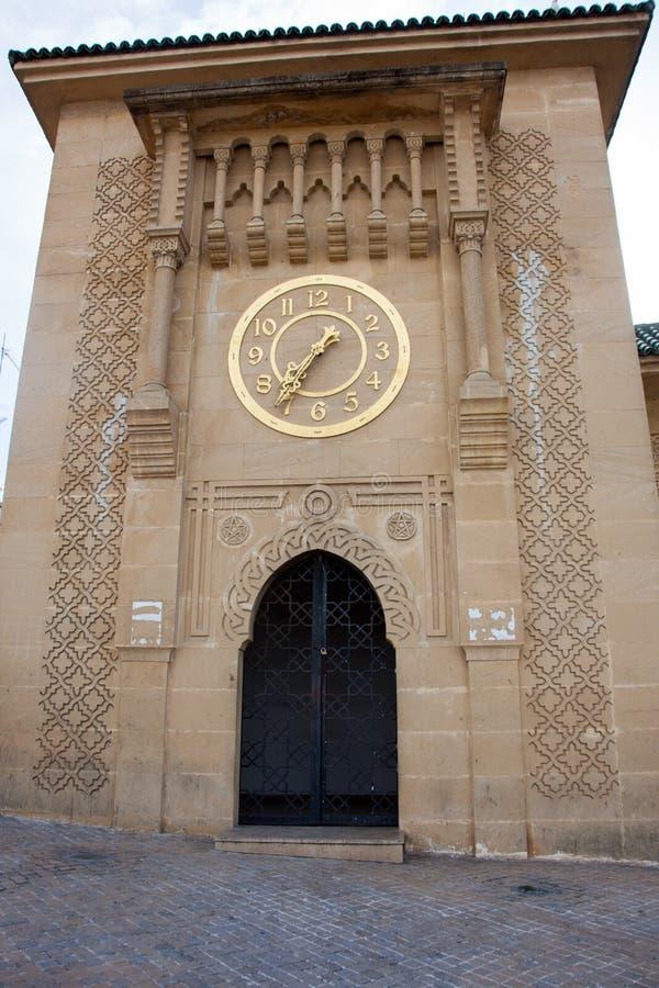Gouden klok op Sidi Bou Abib Mosque in Tanger royalty-vrije stock afbeeldingen