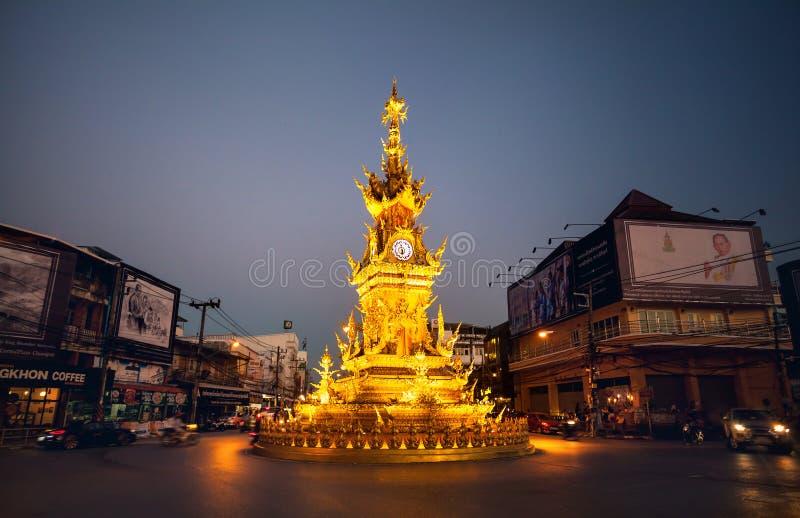 Gouden klokketoren in Chiang Rai stock foto