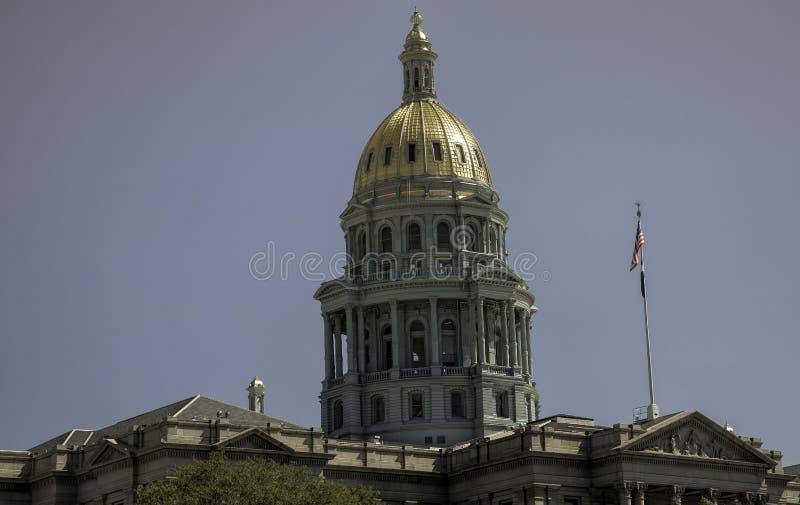 Gouden Koepel boven op de Capitoolbouw in Denver, Colorado royalty-vrije stock fotografie