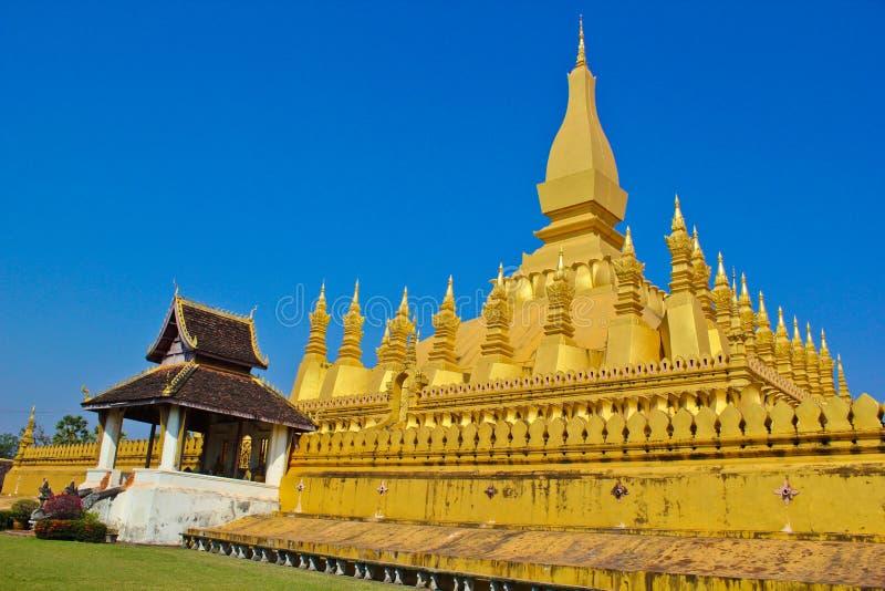 Download Gouden koninklijke pagode stock foto. Afbeelding bestaande uit koninklijk - 29504734