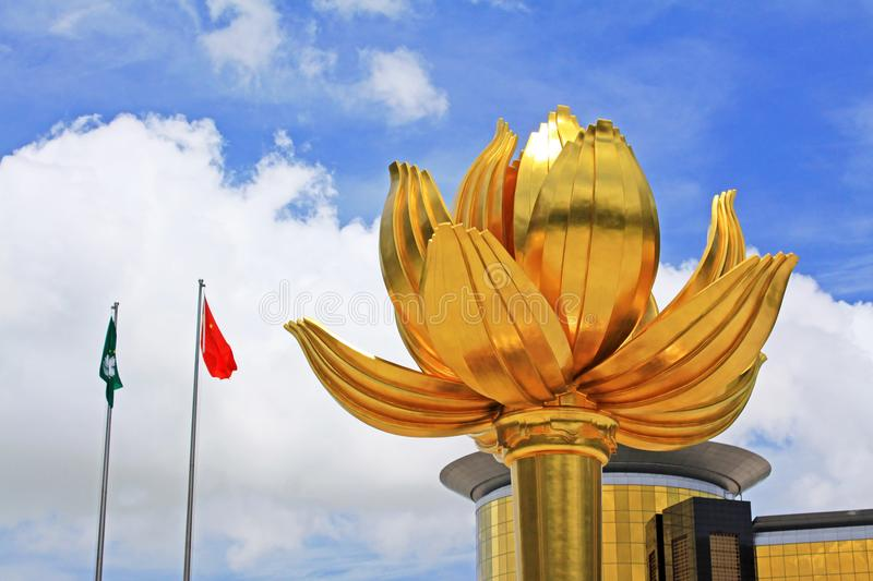 Gouden Lotus Square And Flag, Macao, China stock fotografie