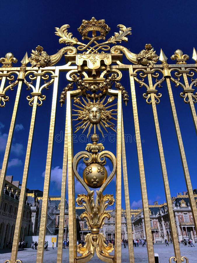 Gouden omheining van het Paleis van Versailles stock foto