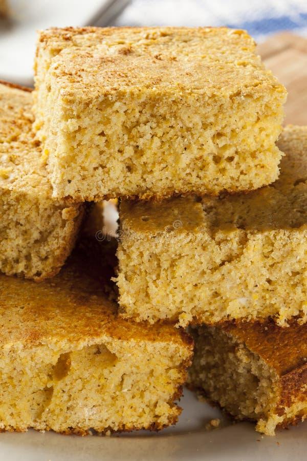 Gouden Organische Eigengemaakte Cornbread stock fotografie