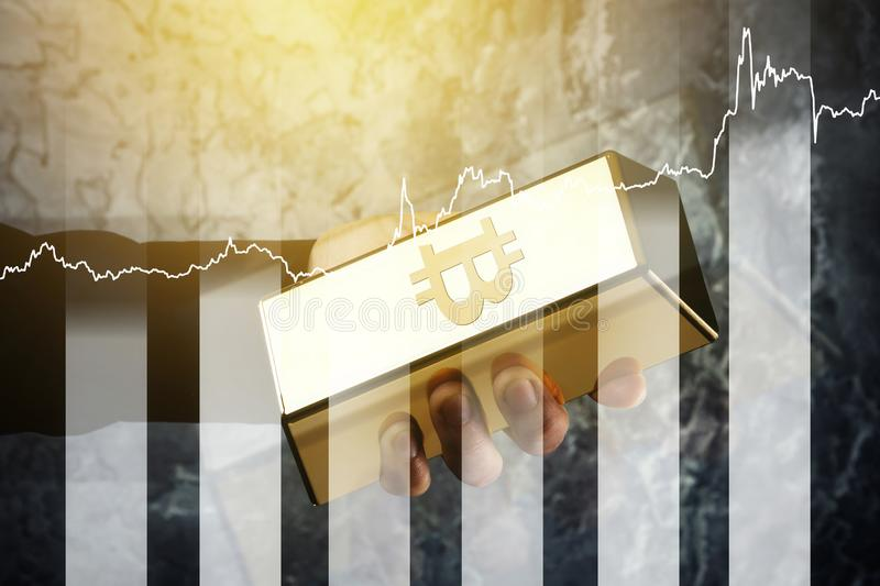 Gouden passement met symbool van de grafiek van Bitcoin en van de groei stock foto's