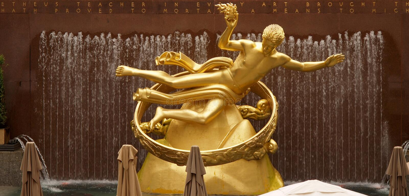 Gouden Prometheus standbeeld op het Centrum Rockfeller stock afbeelding