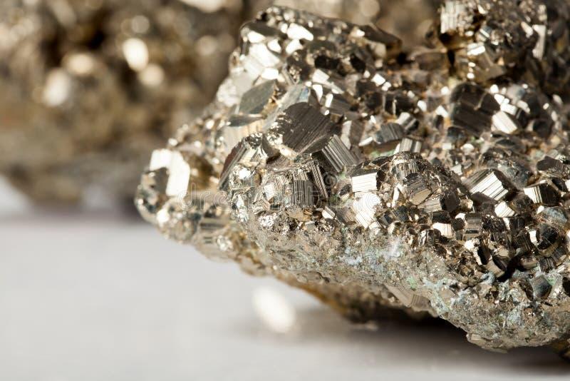 Gouden pyrietsteen royalty-vrije stock afbeelding