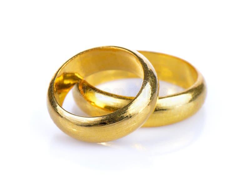 Gouden ring op witte achtergrond royalty-vrije stock afbeelding