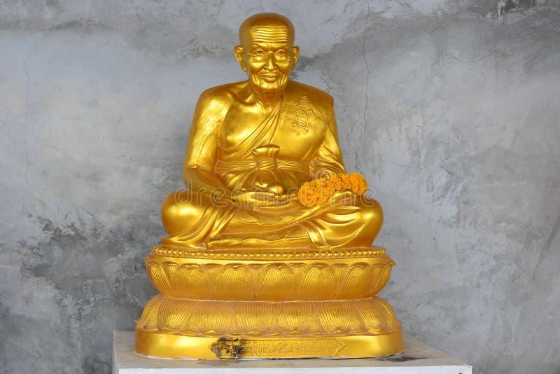 Gouden standbeeld Thailand royalty-vrije stock afbeeldingen