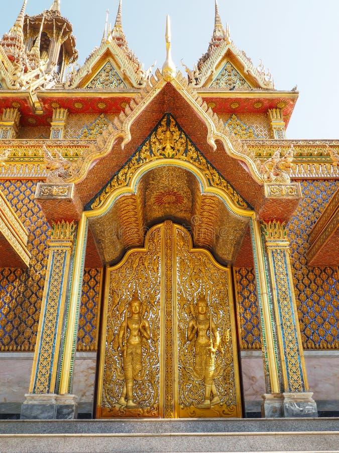 Gouden tempel in Thailand royalty-vrije stock afbeelding