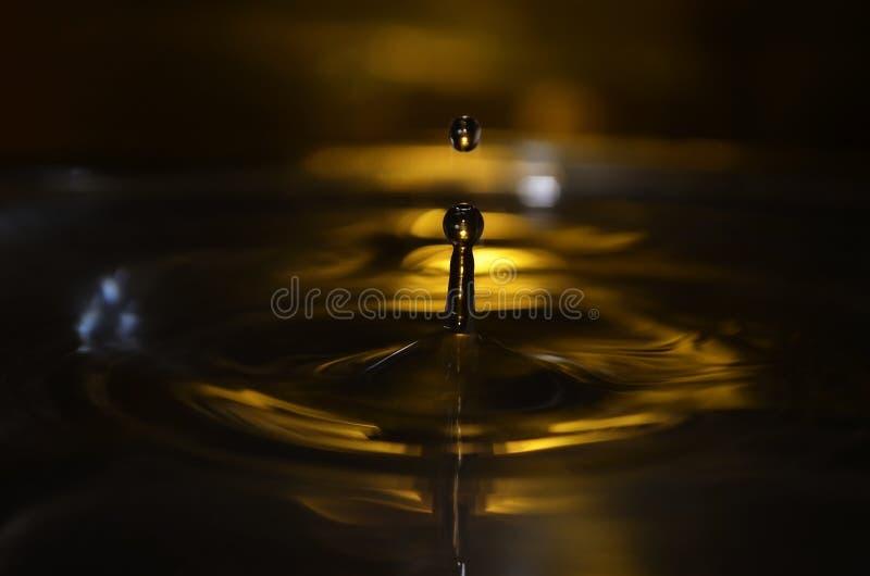 Gouden waterdaling stock afbeelding