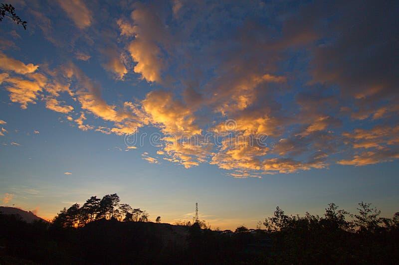 Gouden wolken stock foto