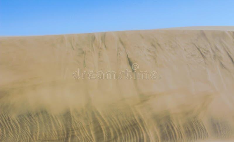 Gouden zand van Afrikaanse woestijn royalty-vrije stock afbeelding
