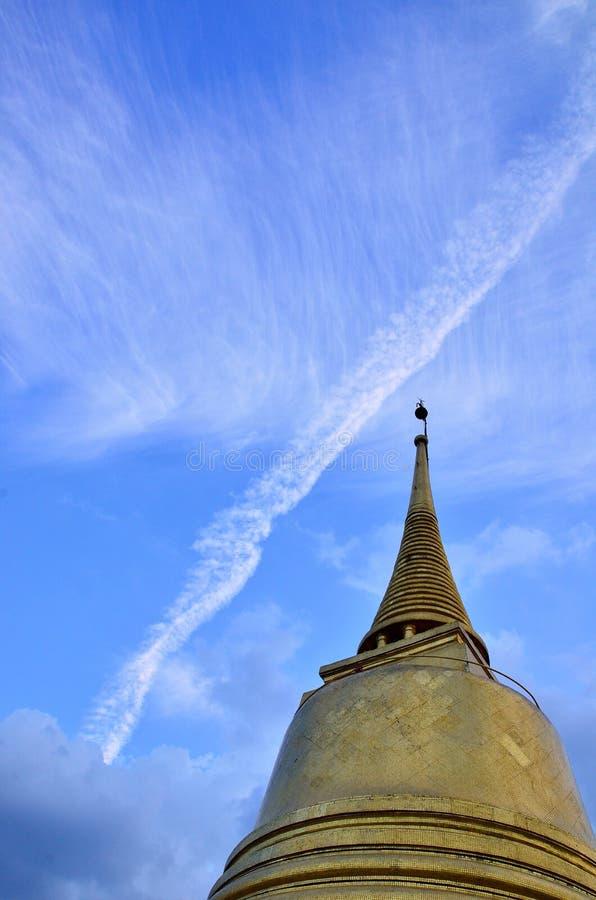 Gouden zet in Bangkok op royalty-vrije stock afbeeldingen