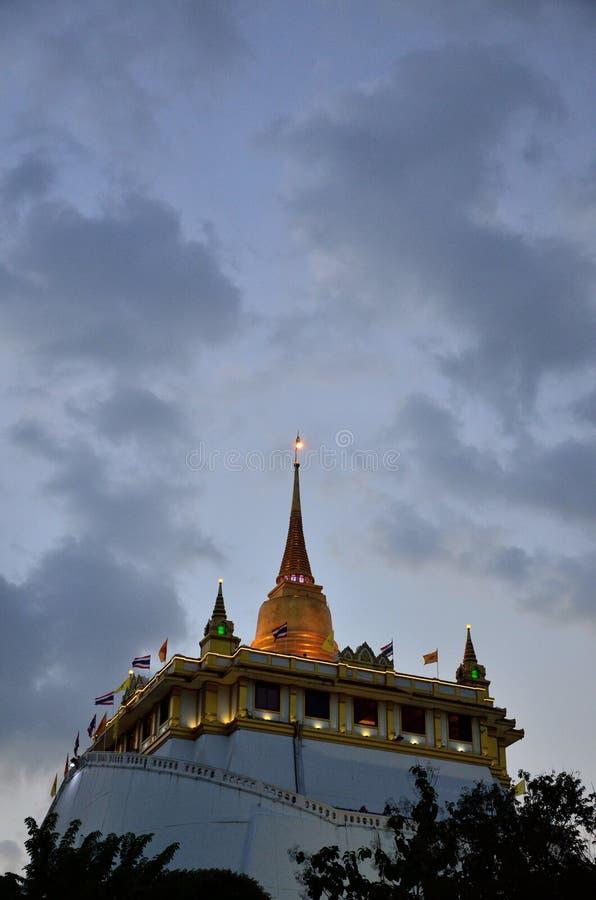Gouden zet in Bangkok op royalty-vrije stock afbeelding