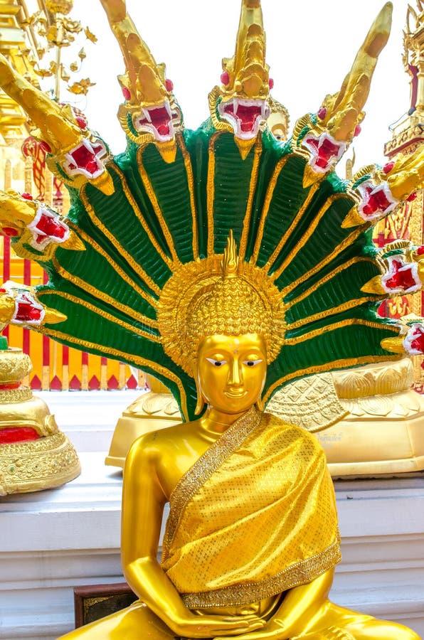 Gouden zet Wat Phra That Doi Suthep op stock fotografie