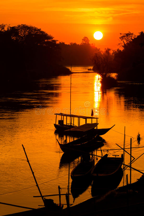 Gouden zonsopgang op Don Det royalty-vrije stock fotografie