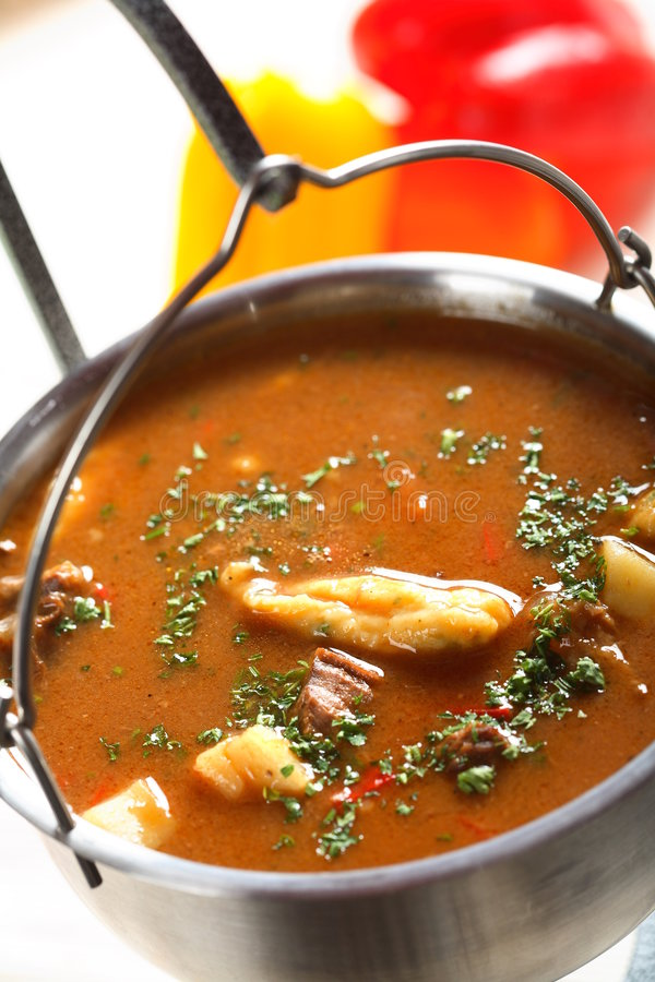 goulash κατσαρόλα στοκ φωτογραφίες