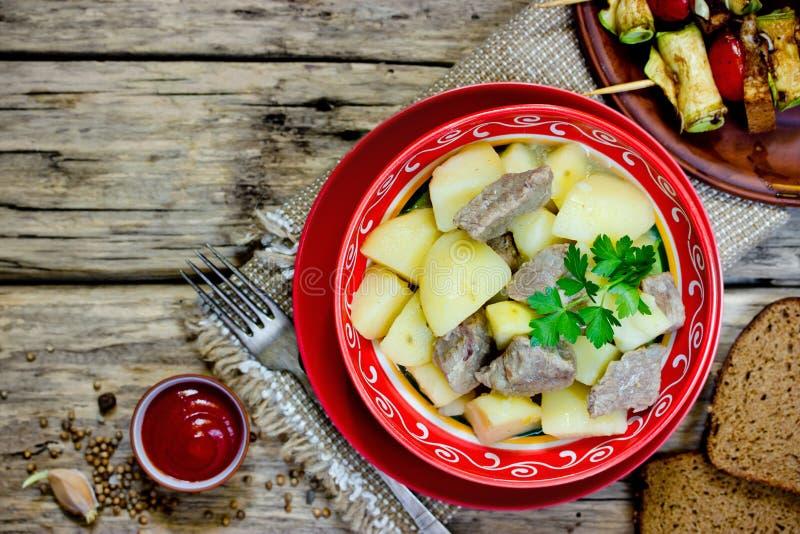 Goulash κρέατος πατατών στοκ εικόνα