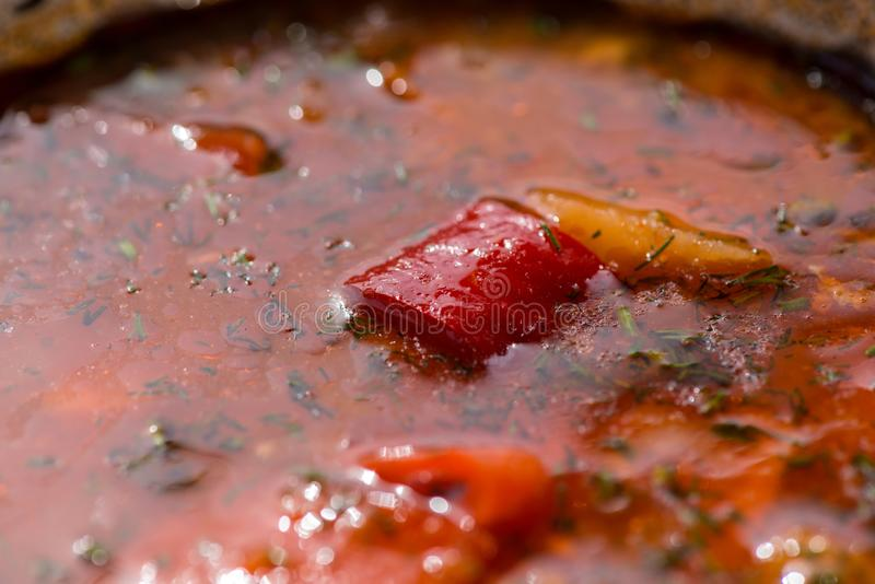 Goulash da carne quente ou sopa húngara do bograch com paprika Close-up imagem de stock