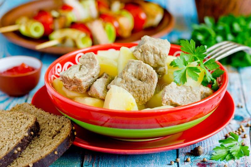 Goulash della carne della patata fotografia stock libera da diritti