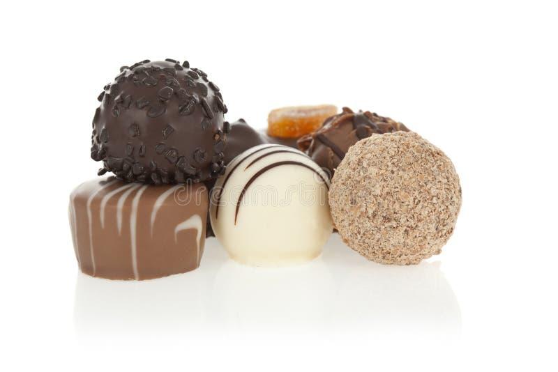 Gourmet- chokladkonfektar arkivfoton